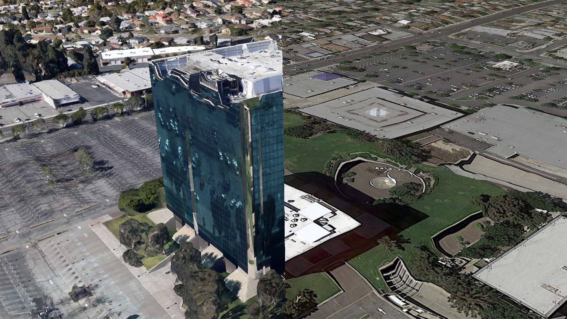 The Los Angeles County Department of Public Works headquarters building in Alhambra, CA, which straddles the frontier of resolution, as rendered in Google Earth 7.1.2.2041.