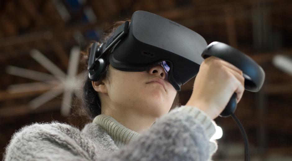 MDP/Lab student Fei Wang tests an Oculus Rift